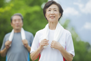 運動をするシニア 健康